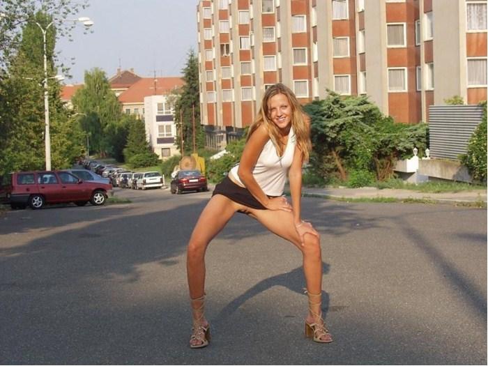 фото девушек без ниж белья и стыда