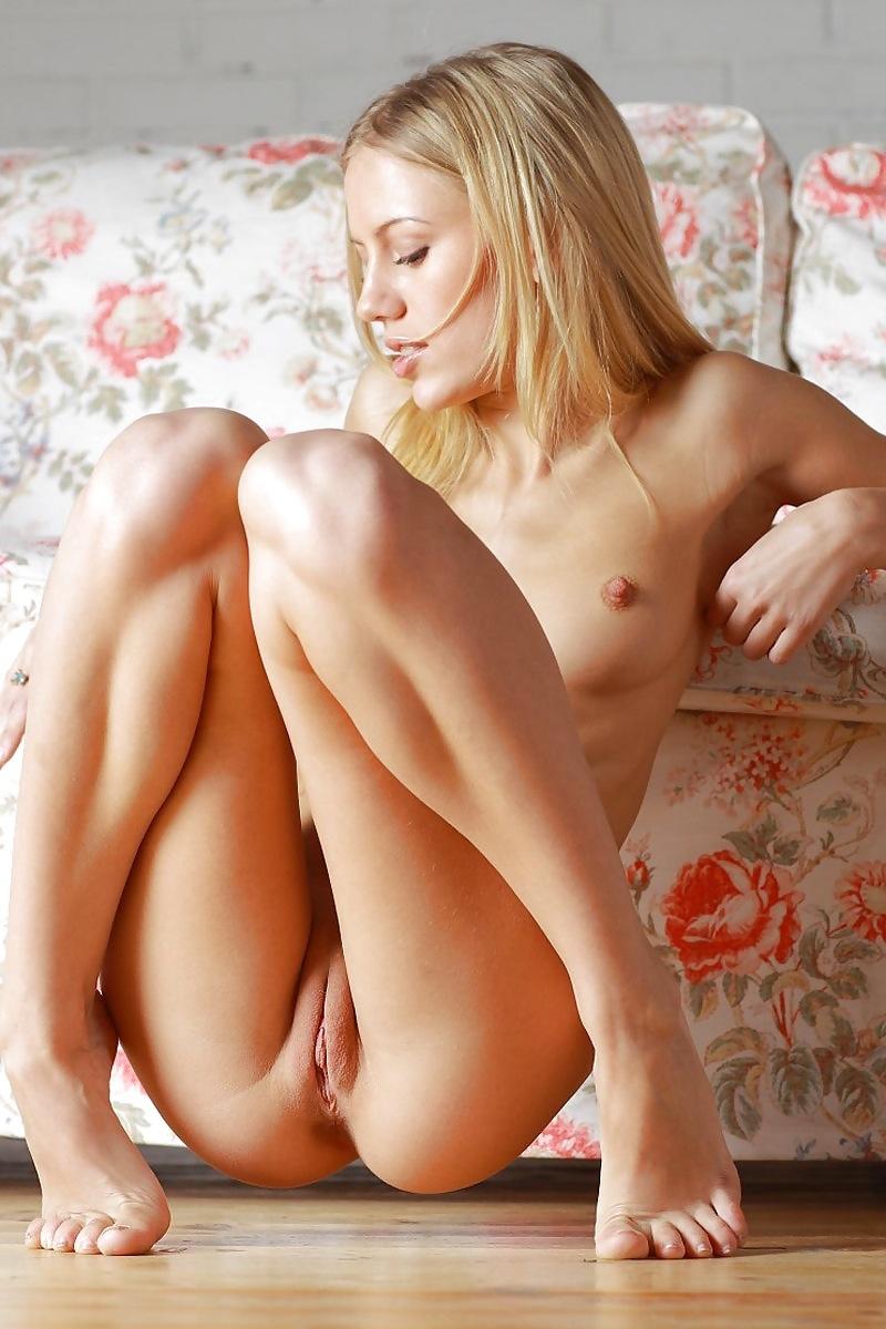 descuidos de mujeres en cuclillas - ayalogiccom