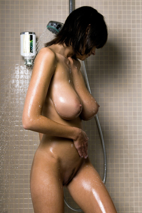 Chicas desnudas gratis en la ducha videos