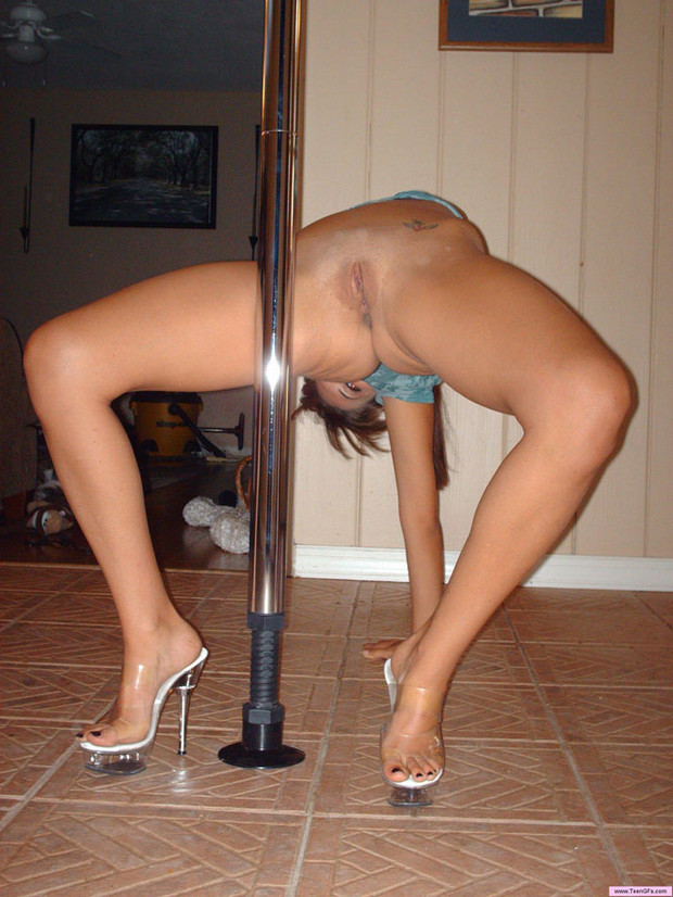 pole dancer porn