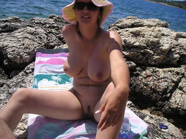 на пляже без комплексов фото