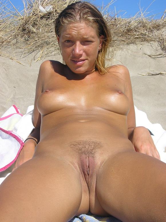 el verano se pone caliente .....playa y chochos