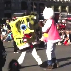 pelea de hello kitty y bob esponja